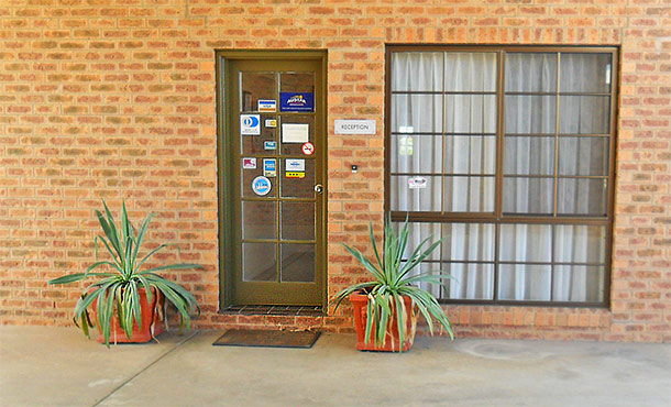 Contact Us for Accommodation in Deniliquin NSW